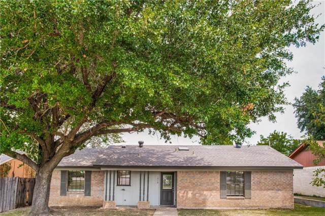 1418 S Belt Line Road, Grand Prairie, TX 75051 (MLS #14113408) :: Kimberly Davis & Associates