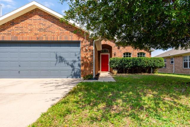 8408 Horse Whisper Lane, Fort Worth, TX 76131 (MLS #14114938) :: RE/MAX Town & Country