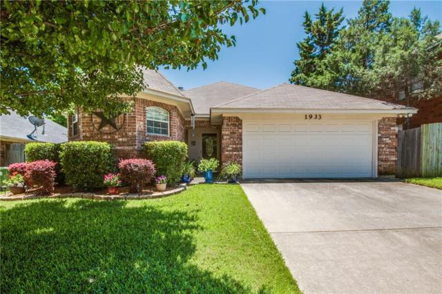 1933 Lilac Lane, Grapevine, TX 76051 (MLS #14115496) :: Lynn Wilson with Keller Williams DFW/Southlake