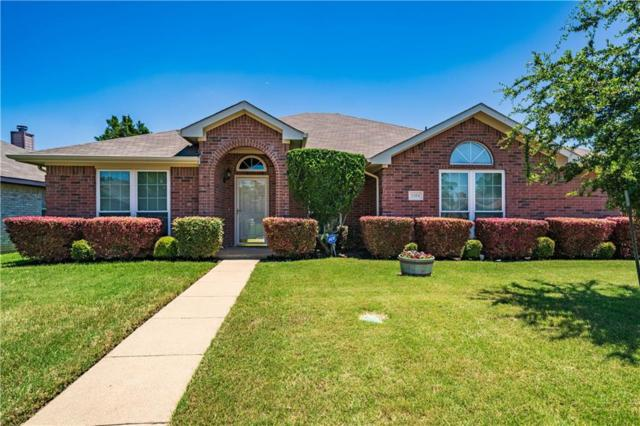 1204 Old Oak Drive, Cedar Hill, TX 75104 (MLS #14116320) :: All Cities Realty