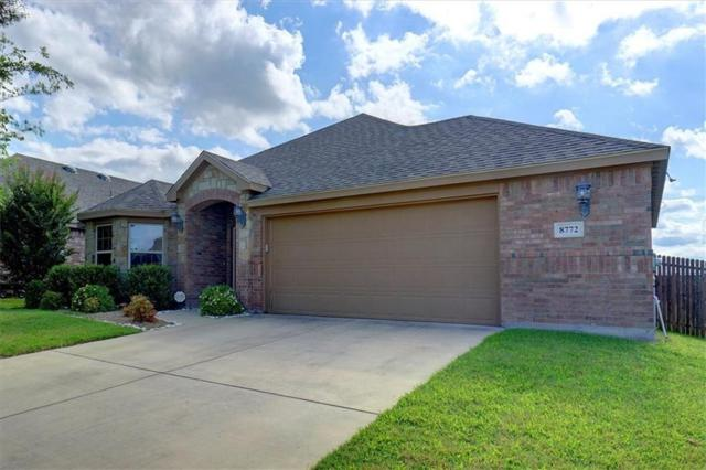 8772 Regal Royale Drive, Fort Worth, TX 76108 (MLS #14116437) :: RE/MAX Town & Country