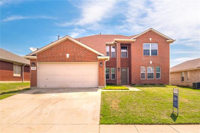 7005 Lake Jackson Drive, Arlington, TX 76002 (MLS #14116789) :: Kimberly Davis & Associates