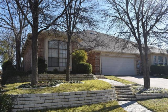 2005 N Saint Andrews Court, Arlington, TX 76011 (MLS #14116791) :: Baldree Home Team