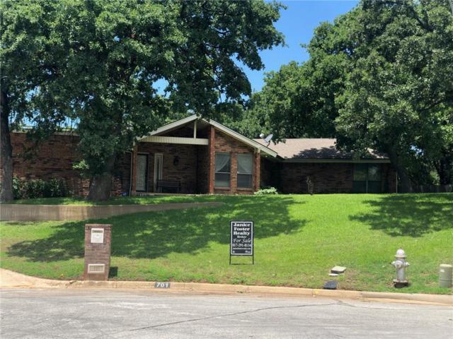 701 Timberline Court, Arlington, TX 76006 (MLS #14116796) :: Baldree Home Team
