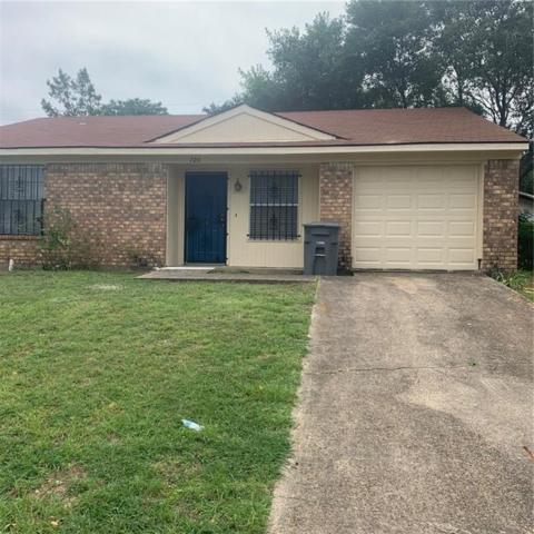 726 Gallant Fox Drive, Dallas, TX 75211 (MLS #14117097) :: Potts Realty Group