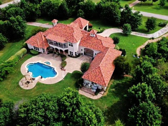 202 Bluff Creek Lane, Weatherford, TX 76087 (MLS #14117751) :: Caine Premier Properties
