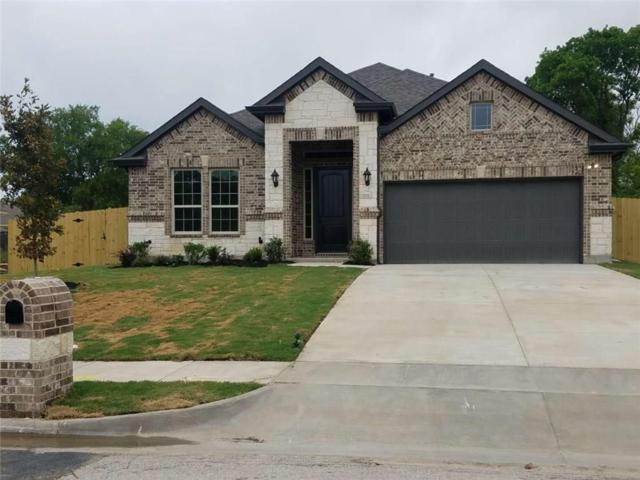 321 SW 17th Street, Grand Prairie, TX 75051 (MLS #14118731) :: All Cities Realty