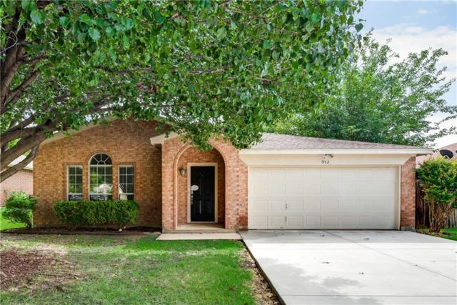 952 Wrigley Way, Saginaw, TX 76179 (MLS #14118810) :: RE/MAX Town & Country