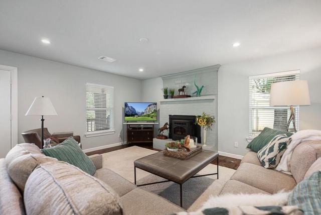 849 Kiowa Drive E, Lake Kiowa, TX 76240 (MLS #14119149) :: Roberts Real Estate Group