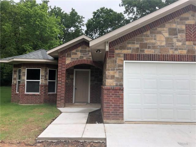 711 E 6th Street, Bonham, TX 75418 (MLS #14120090) :: Baldree Home Team