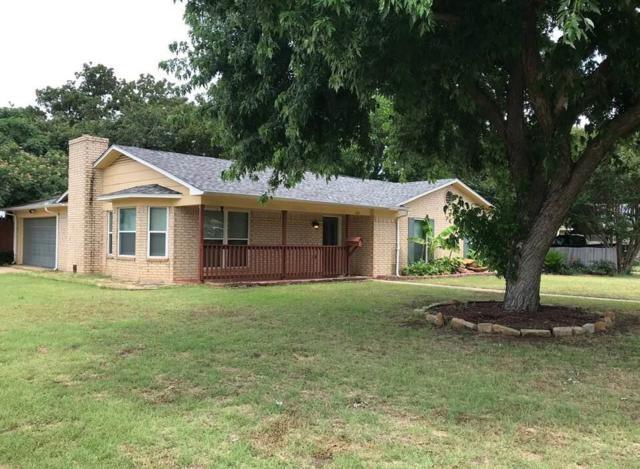 906 Valley Court, Arlington, TX 76013 (MLS #14120108) :: The Heyl Group at Keller Williams