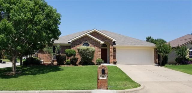 11 Rochelle Court, Mansfield, TX 76063 (MLS #14120110) :: RE/MAX Town & Country