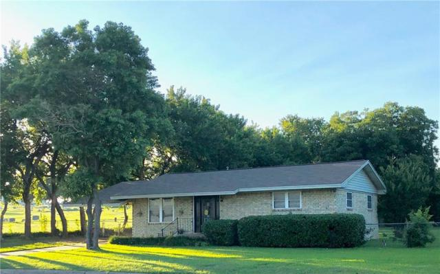 422 Hillside Drive, Gainesville, TX 76240 (MLS #14121313) :: RE/MAX Town & Country