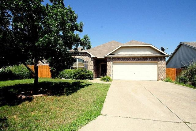 813 Ridgecrest Court, Aubrey, TX 76227 (MLS #14121922) :: RE/MAX Town & Country