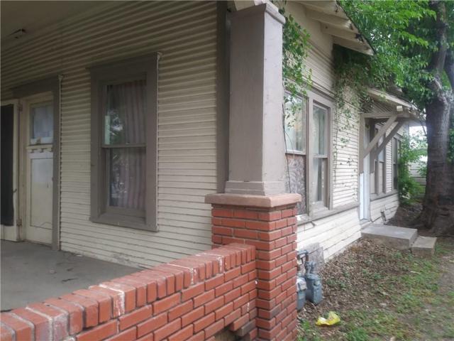 817 Centre Street, Dallas, TX 75208 (MLS #14122414) :: Van Poole Properties Group