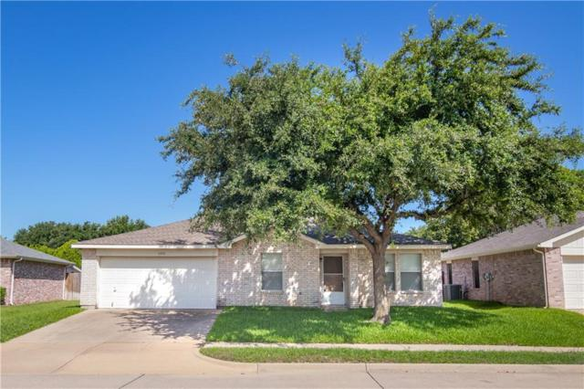 4204 Woodcrest Court, Haltom City, TX 76137 (MLS #14123448) :: Lynn Wilson with Keller Williams DFW/Southlake