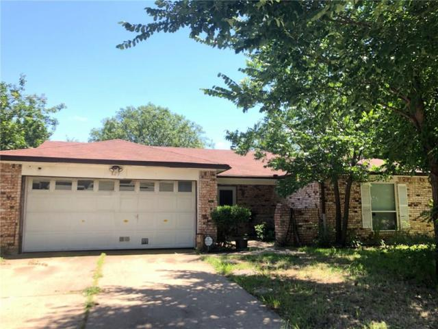 829 Brian Drive, Grand Prairie, TX 75052 (MLS #14123789) :: Kimberly Davis & Associates