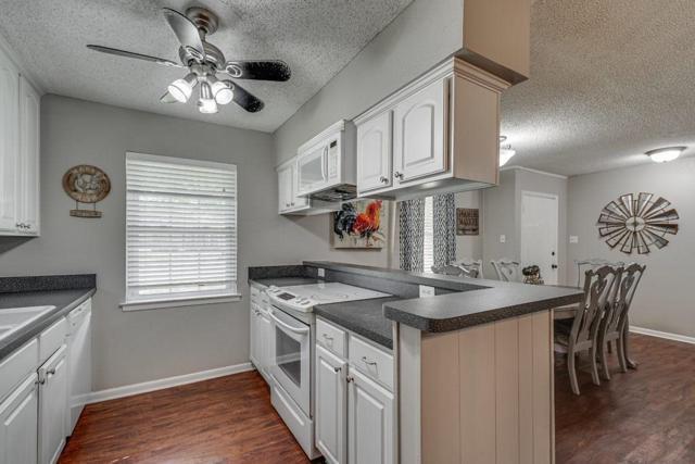 129 Vanderbilt Lane, Waxahachie, TX 75165 (MLS #14124955) :: Lynn Wilson with Keller Williams DFW/Southlake