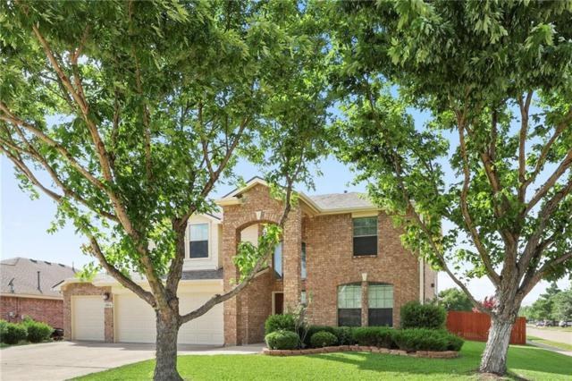 2804 Oak Crest Drive, Grand Prairie, TX 75052 (MLS #14130117) :: RE/MAX Town & Country