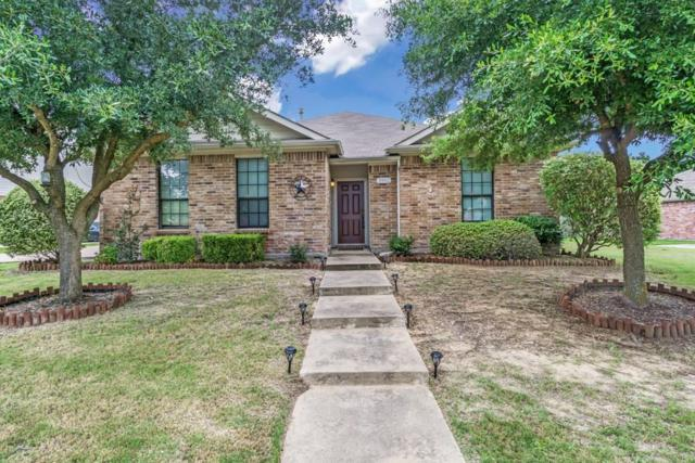 3902 Poplar Point Drive, Rockwall, TX 75032 (MLS #14130883) :: RE/MAX Town & Country