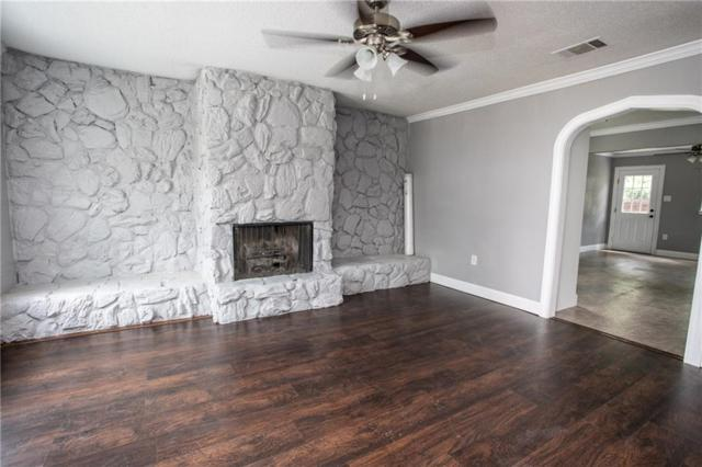 1612 S Lindsay Street, Gainesville, TX 76240 (MLS #14131415) :: RE/MAX Town & Country