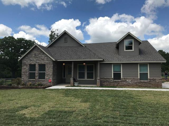 913 Carpenter, Azle, TX 76020 (MLS #14131586) :: RE/MAX Town & Country