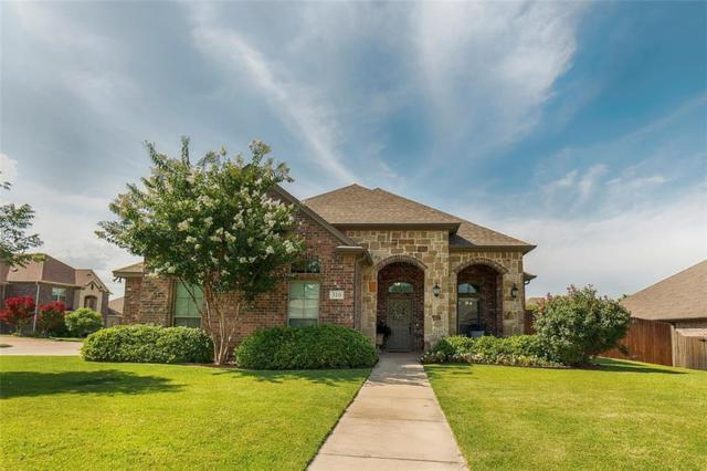 316 Autumnwood Court, Kennedale, TX 76060 (MLS #14134101) :: Lynn Wilson with Keller Williams DFW/Southlake