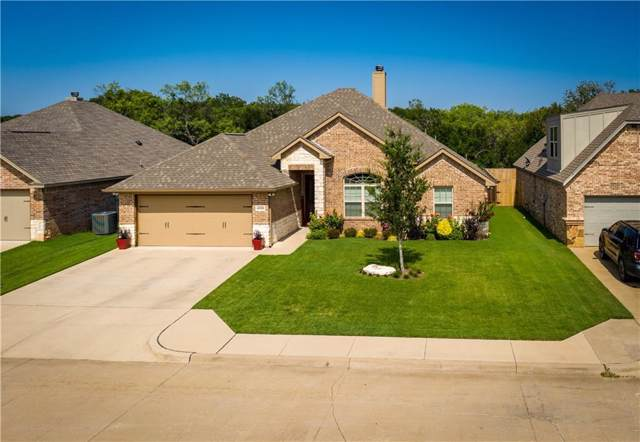 4316 Logan Circle, Granbury, TX 76049 (MLS #14134588) :: Kimberly Davis & Associates