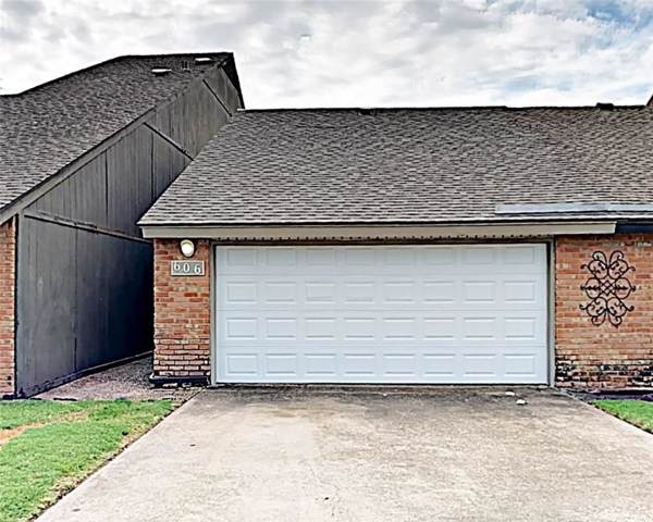 606 Carriage Way, Duncanville, TX 75137 (MLS #14135479) :: Lynn Wilson with Keller Williams DFW/Southlake