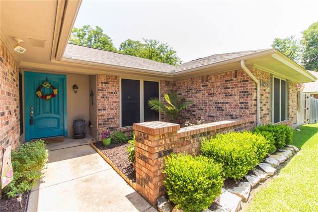 1524 Berkeley Drive, Mansfield, TX 76063 (MLS #14136481) :: RE/MAX Town & Country
