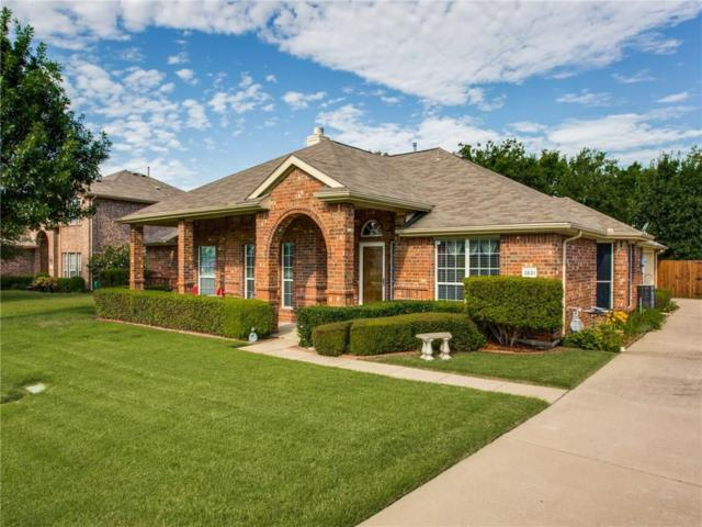 2831 Stoney Hollow Lane, Rockwall, TX 75087 (MLS #14136646) :: RE/MAX Town & Country