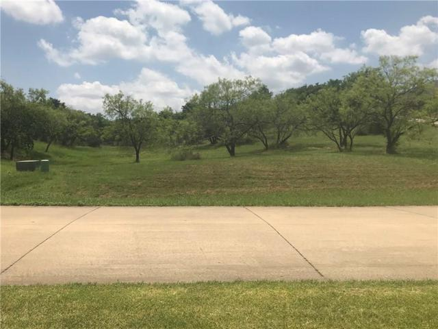 2472 Creekwood Drive, Cedar Hill, TX 75104 (MLS #14137003) :: RE/MAX Town & Country