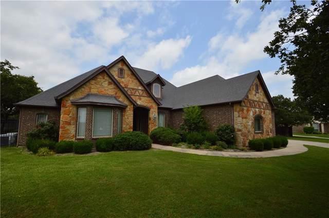 114 Oakwood Creek Lane, Weatherford, TX 76088 (MLS #14137099) :: Lynn Wilson with Keller Williams DFW/Southlake