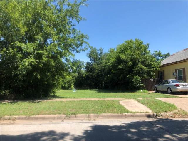 1009 E Leuda Street, Fort Worth, TX 76104 (MLS #14137264) :: RE/MAX Town & Country