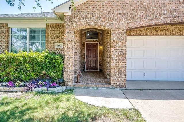 909 Hunter Lane, Burleson, TX 76028 (MLS #14138524) :: Century 21 Judge Fite Company