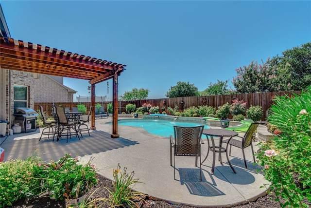 412 Burberry, Grand Prairie, TX 75052 (MLS #14139085) :: RE/MAX Town & Country