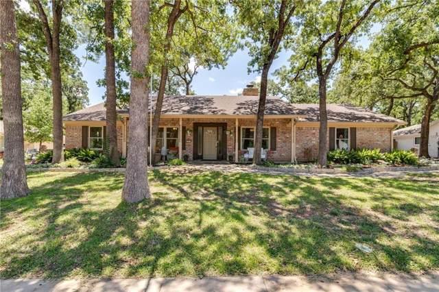 207 W Ash Lane, Euless, TX 76039 (MLS #14139435) :: Tenesha Lusk Realty Group