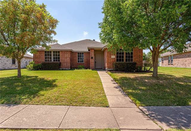 2807 Meadow Bluff Drive, Wylie, TX 75098 (MLS #14139732) :: RE/MAX Town & Country