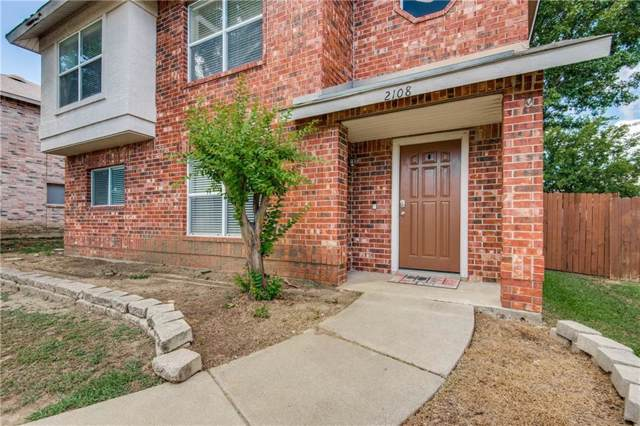 2108 Glenhaven Drive, Lewisville, TX 75067 (MLS #14139951) :: Team Hodnett