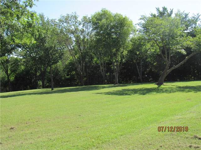 30 Holiday Lane, Pottsboro, TX 75076 (MLS #14140018) :: RE/MAX Town & Country