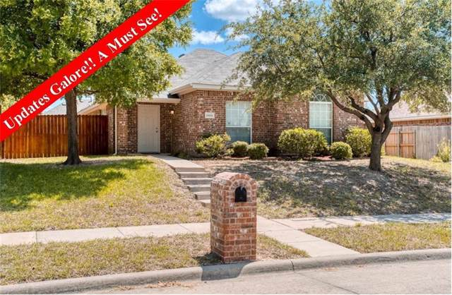 10001 Queens Road, Frisco, TX 75035 (MLS #14140323) :: RE/MAX Town & Country