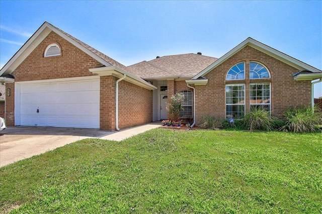 627 E Liberty Street, Pilot Point, TX 76258 (MLS #14140961) :: North Texas Team | RE/MAX Lifestyle Property