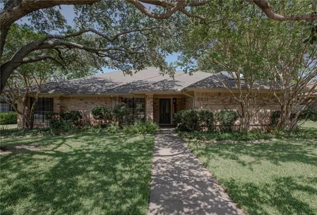 2811 Cambridgeshire Drive, Carrollton, TX 75007 (MLS #14140980) :: Ann Carr Real Estate