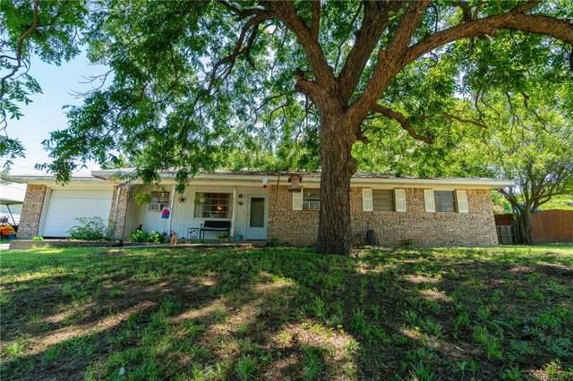 304 N Singletary, Saint Jo, TX 76265 (MLS #14141005) :: The Heyl Group at Keller Williams