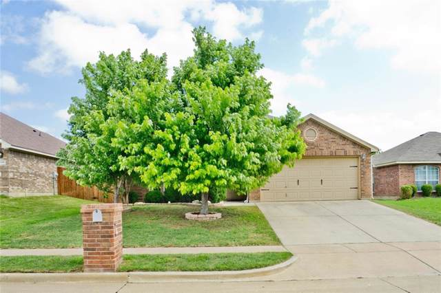 656 Fossil  Wood Drive, Saginaw, TX 76179 (MLS #14141048) :: Lynn Wilson with Keller Williams DFW/Southlake