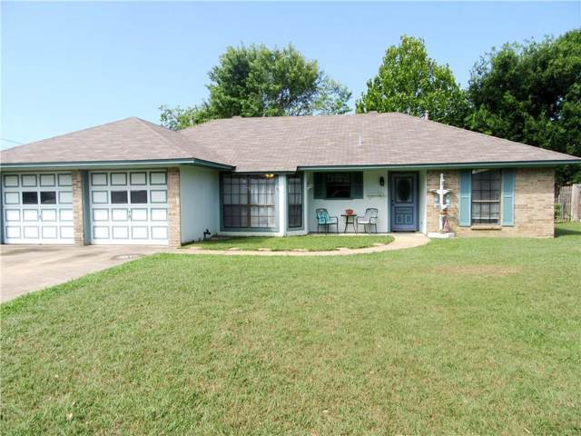 227 Diane Drive, Sanger, TX 76266 (MLS #14141230) :: RE/MAX Town & Country