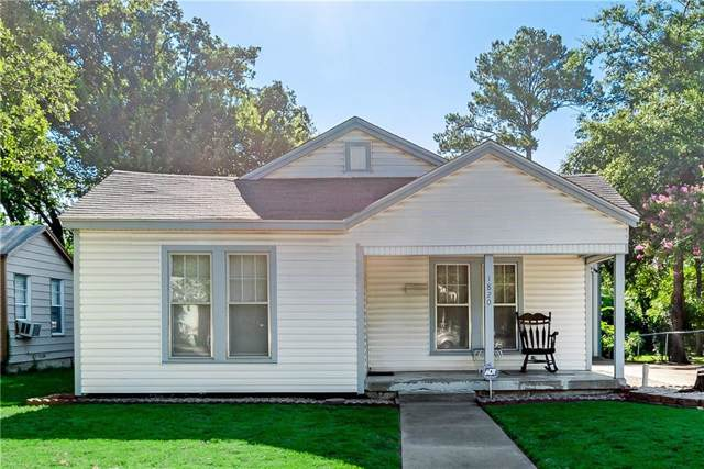 1820 Robinwood Drive, Fort Worth, TX 76111 (MLS #14141468) :: RE/MAX Town & Country