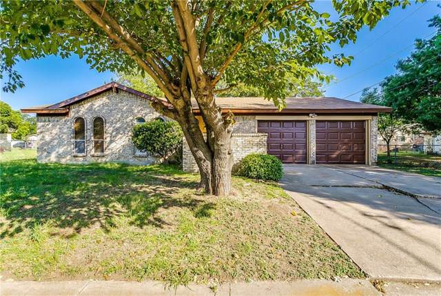 704 SW Hillside Drive, Burleson, TX 76028 (MLS #14142375) :: The Mitchell Group