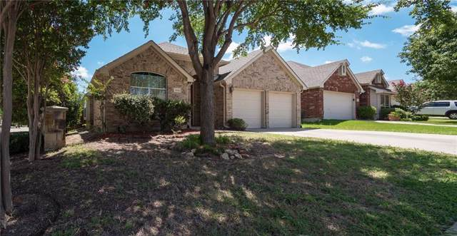 6916 Hillwood Drive, Sachse, TX 75048 (MLS #14142678) :: RE/MAX Town & Country