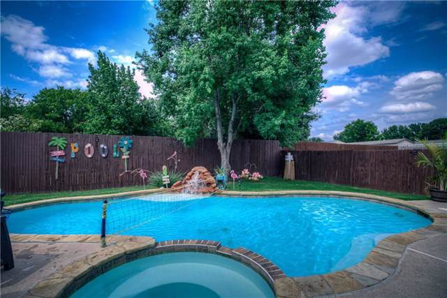825 Gillon Drive, Arlington, TX 76001 (MLS #14142721) :: Magnolia Realty